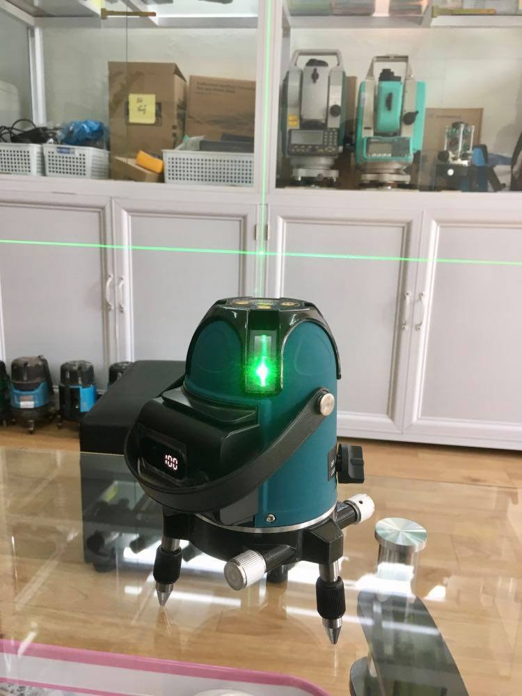 may-can-bang-laser-5-tia-xanh-sincon-sl580g