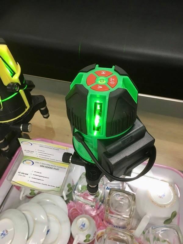 may-can-bang-laser-5-tia-xanh-achon